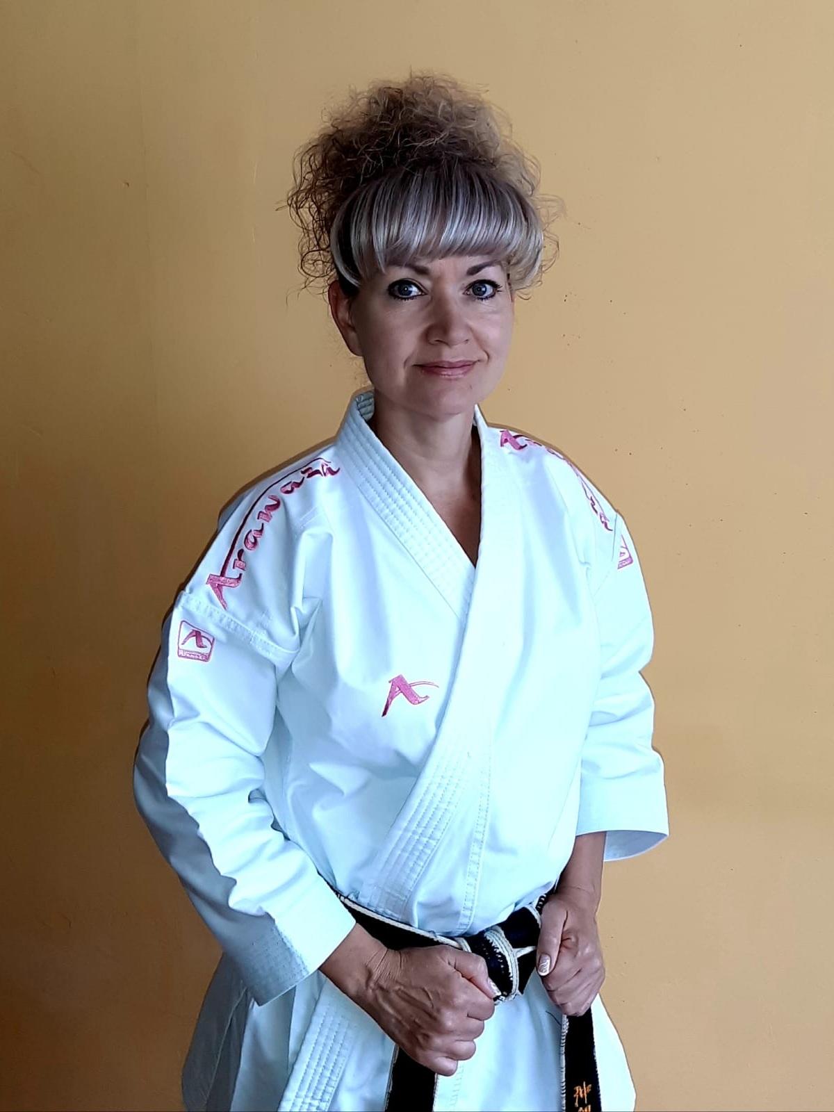 Shihan Iva Keslová